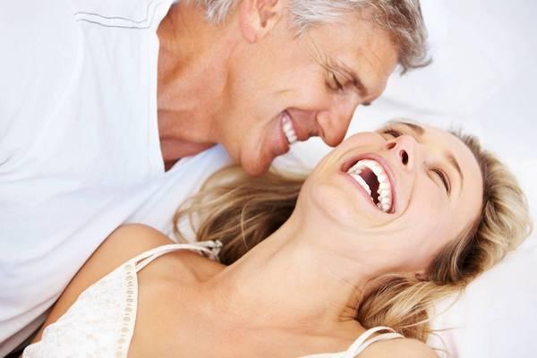 Cum să stimulezi erecția partenerului tău
