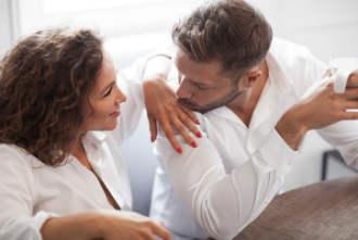 există o erecție fără elasticitate cât de des bărbații au erecție